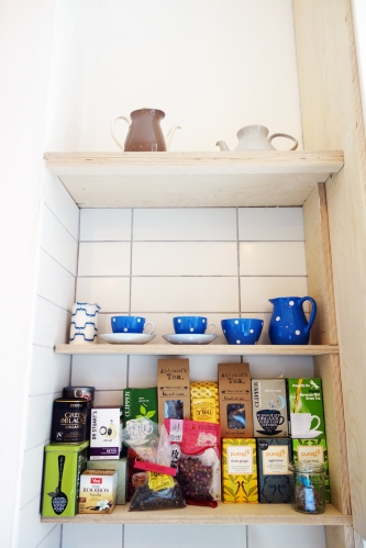 Tea shelf