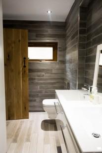 28.Bathroom1