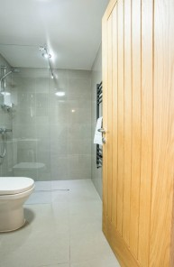 6.Bathroom 1