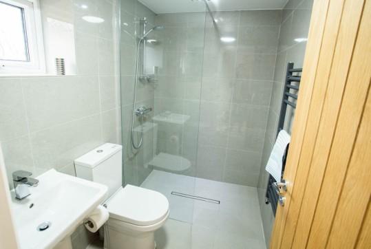 7.Bathroom 2