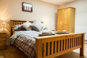 9.Main bedroom 1